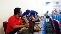 Para Pengelola Jurnal di OJSG Tampak Serius Mengikuti Workshop Tata Kelola Jurnal di Vila Tenang Sarangan, Akhir Desember 2020